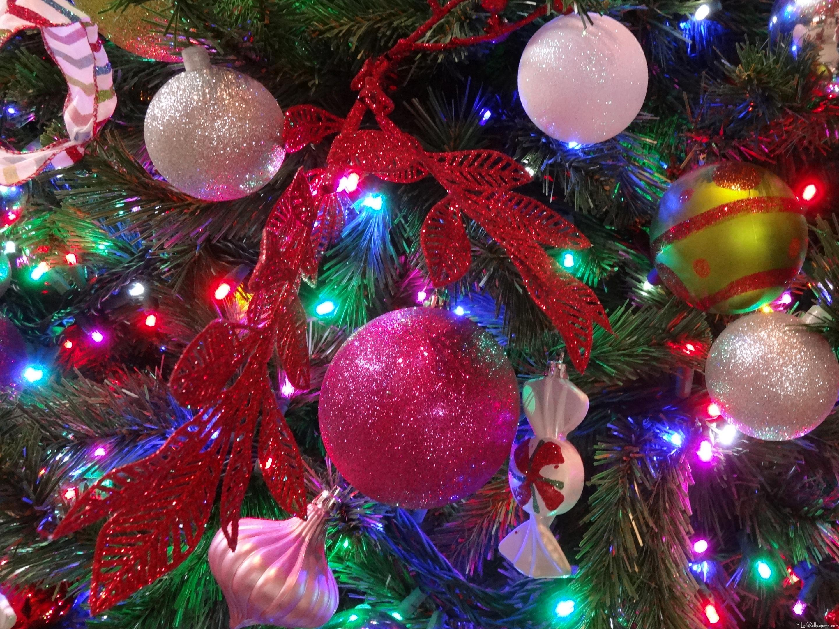 multicolor christmas tree - Christmas Tree Decorations With Multicolor Lights